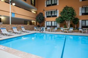 Hotel Quality Inn & Suites Starlite Village Conference Center