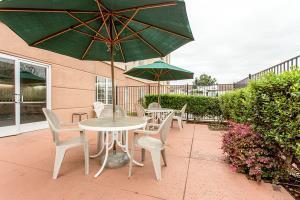 Hotel Comfort Suites Fresno River Park