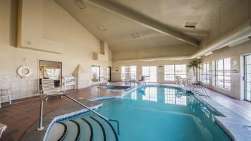 Hotel Comfort Suites East / I-44