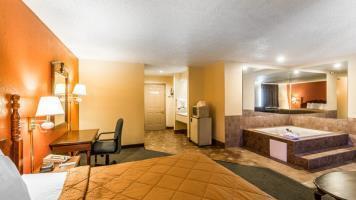 Hotel Rodeway Inn & Suites Airport