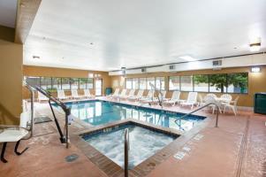 Hotel Comfort Inn & Suites Near Medical Center