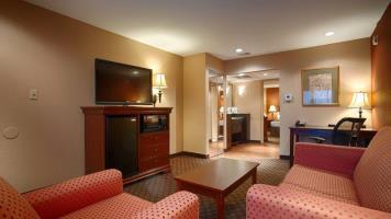 Hotel Best Western Plus Landing View Inn & Suites