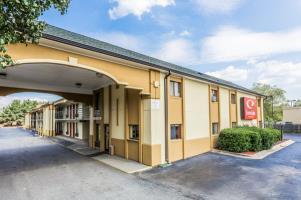 Hotel Econo Lodge Inn & Suites East