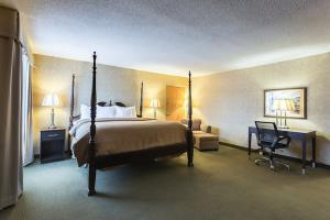 Hotel Clarion Inn And Summit Center