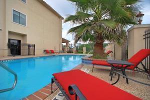 Hotel Best Western Plus Crown Colony Inn & Suites