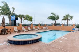 Hotel Comfort Inn & Suites Galveston Bay Refineries
