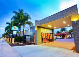 Hotel Comfort Inn Deakin Palms