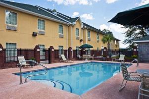 Hotel Best Western Plus Bradbury Inn & Suites