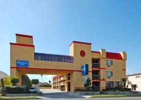 Hotel Rodeway Inn Near Home Depot Center