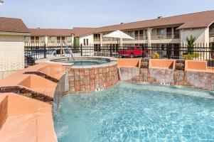 Hotel Quality Inn Near Lake Marble Falls