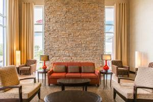 Hotel Cambria Suites