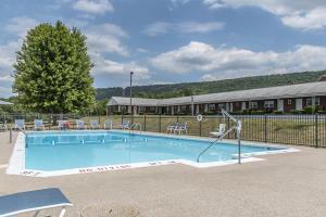 Hotel Quality Inn Breeze Manor