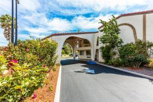 Hotel Quality Inn Near Fort Hunter Liggett King City