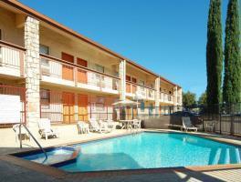 Hotel Best Western N.e. Mall Inn & Suites