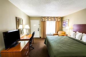 Hotel Quality Inn & Suites St. Petersburg - Clearwater Airport
