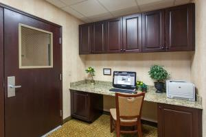 Hotel Country Inn & Suites San Marcos
