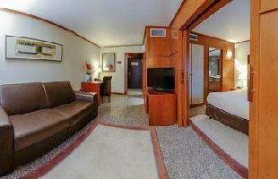 Hotel Goldstar Resort