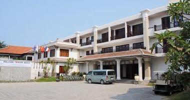 Hotel River Beach Resort & Residence