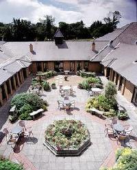 Bridgewood Manor - Qhotels