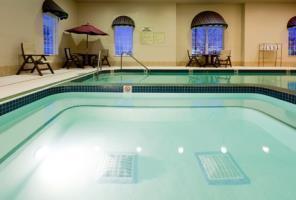 Holiday Inn Express Hotel & Suites Oshkosh Sr 41