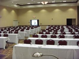Hotel Holiday Inn Conference Ctr Marshfield