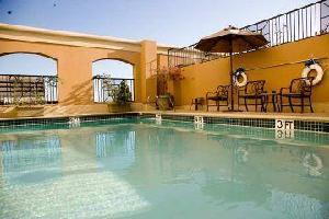 Hotel Doubletree By Hilton Santa Ana