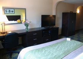 Comfort Hotel & Suites - Peterborough