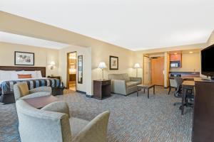 Hotel Wingate By Wyndham Cincinnati/blue Ash