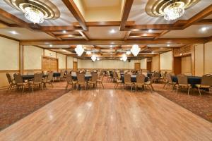 Hotel Best Western Prairie Inn & Conference Center