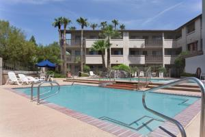 Hotel Days Inn & Suites Tempe