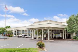 Hotel Baymont Inn & Suites Murfreesboro