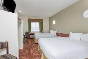 Hotel Days Inn - Near Kansas Speedway