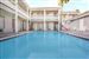 Hotel Travelodge Costa Mesa Newport Beach Hacienda