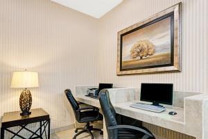 Hotel Baymont Inn & Suites Lawrence