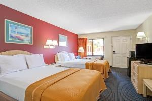 Hotel Howard Johnson Express Inn Suites South Tampa Airp