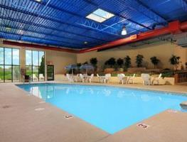 Hotel Days Inn & Suites Milwaukee Airport
