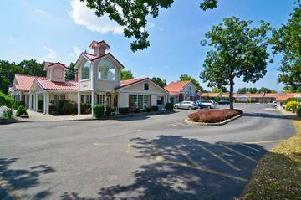 Hotel Americas Best Value Inn & Suites-clarence/buffalo East