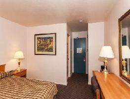 Howard Johnson Hotel - Nanaimo Harbourside