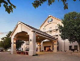 Hotel Days Inn And Suites Cedar Rapids