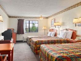 Hotel Days Inn And Suites Marshall