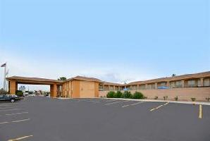 Hotel Americas Best Value Inn And Suites Las Cruces / I-10 Exit 140