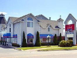 Hotel Ramada Mackinaw City Waterfron