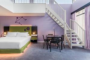 Hotel Room Mate Bruno