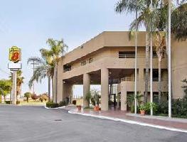 Hotel Super 8 Commerce/la Area