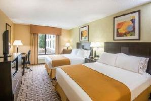 Hotel Holiday Inn Express & Suites S