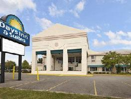 Hotel Days Inn And Suites Columbus East Airport