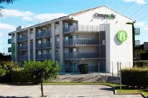 Hotel Campanile Le Millenaire