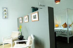 Frangipani Villa 60s Hotel