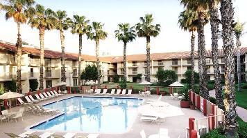 Hotel Doubletree By Hilton Bakersfield