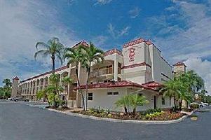 Hotel Red Roof Plus+ & Suites Naples
